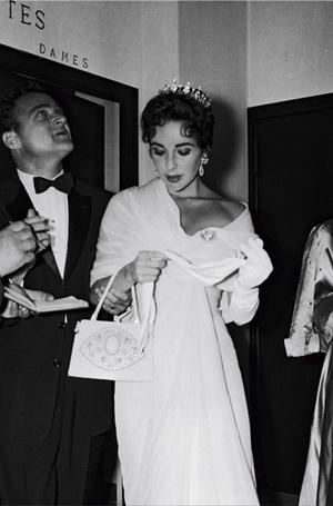 Фото №9 - Войти в историю: 35 культовых платьев Каннского кинофестиваля