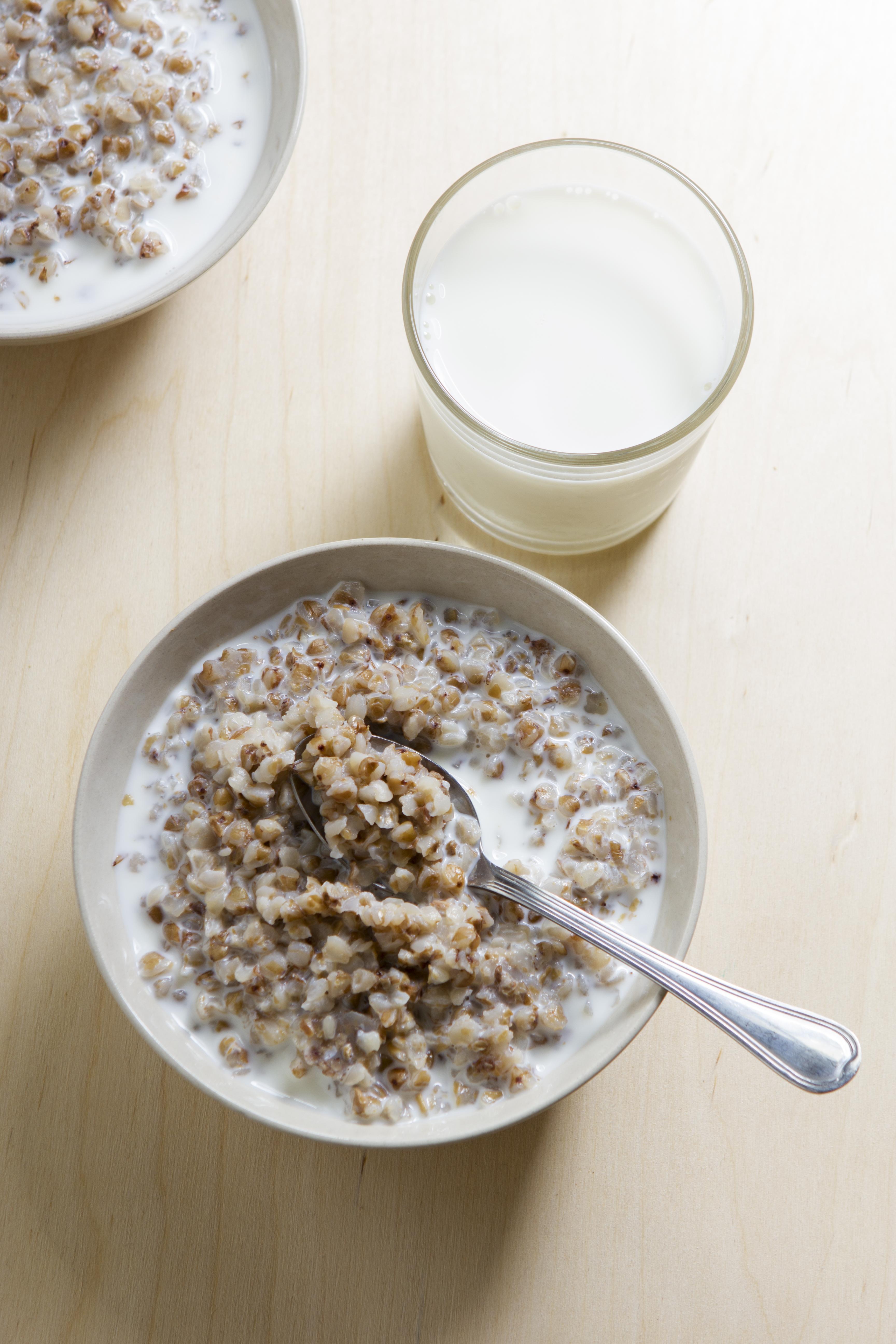 Диета Гречка Замоченная Кефиром На. Чем полезно употребление по утрам сырой гречки с кефиром натощак