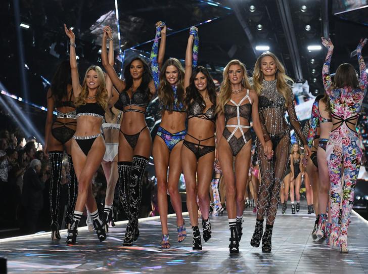 Фото №2 - Конец эпохи: шоу Victoria's Secret официально отменено