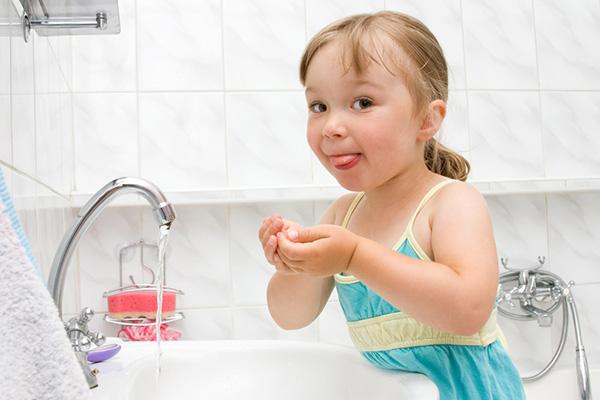 Фото №5 - 5 способов помочь ребенку полюбить водные процедуры
