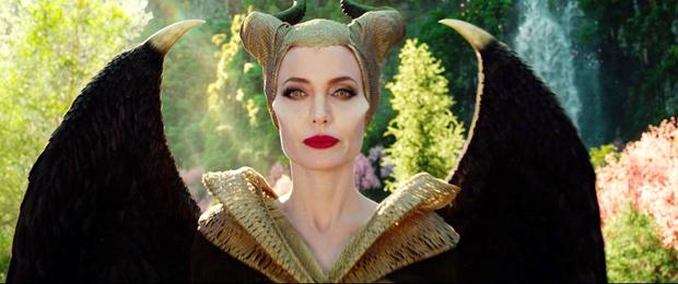 Фото №6 - 3 страха, разрушивших отношения Анджелины Джоли и Брэда Питта