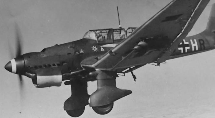 Фото №1 - Почему немецкие бомбардировщики издавали такой страшный звук