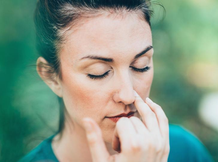 Фото №2 - Йога против стресса: 5 асан, которые помогут успокоиться