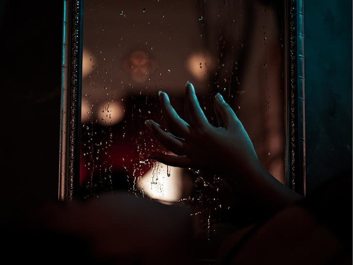 Фото №2 - Кукла-убийца и зеркало страха: 7 жутких историй проклятых вещей