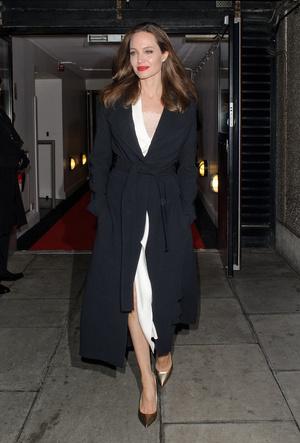 Фото №11 - Почему Анджелина Джоли — снова икона стиля, или Что такое luxe purism