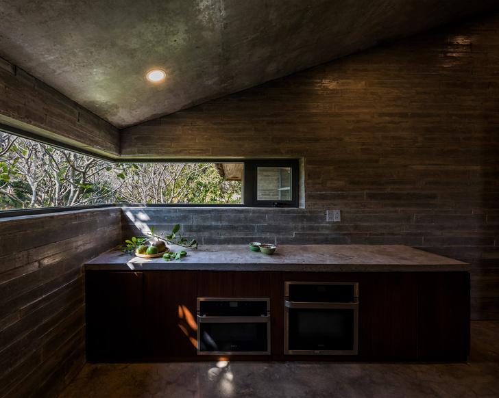 Фото №10 - Дом с соломенной крышей и прудом во Вьетнаме