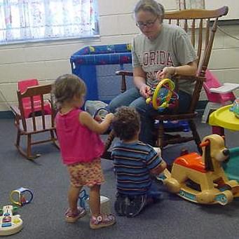 Фото №1 - Англичанкам могут заплатить за материнство