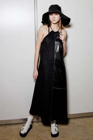 Фото №4 - Модный апсайклинг: молодые дизайнеры и бренд «Ласка» представили необычную коллекцию