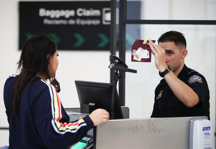 Фото №1 - В США начнут использовать технологии распознавания лиц на внутренний рейсах