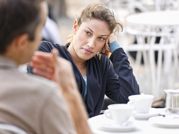 Фото №5 - 13 ситуаций, которые должнынасторожитьв начале отношений