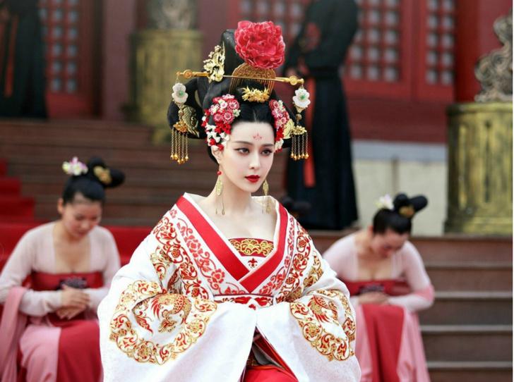 Фото №1 - Через интриги к власти: история У Цзэтянь— наложницы, ставшей императором Китая