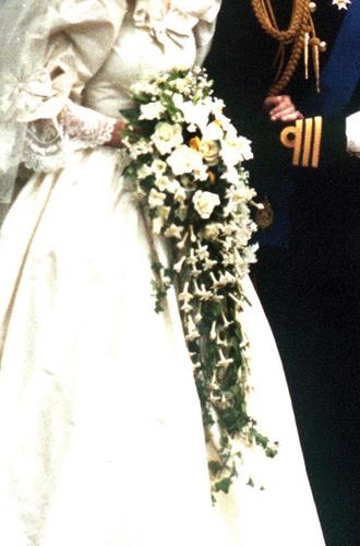 Фото №11 - Каким будет свадебный букет Меган Маркл?
