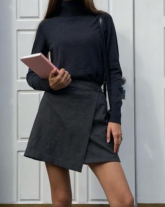 Фото №3 - Что купить к школе? Модную асимметричную юбку как у Полли Зиновьевой!