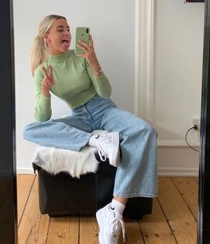 Фото №5 - С чем носить джинсы клеш: 12 модных идей на весну 2021