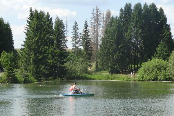 Фото №3 - Водные прогулки в Ижевске: арендуем лодки и катамараны