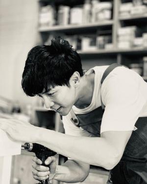 Фото №2 - Бесподобный Ли Сын Ги: 5 дорам и 6 песен любимого парня Кореи