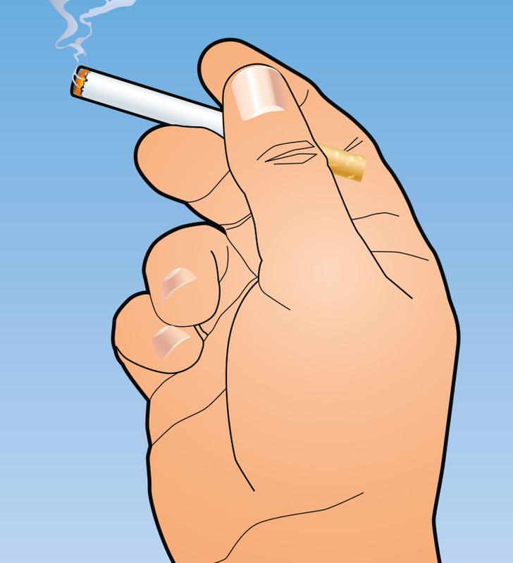 Фото №2 - Фокус с тушением окурка голыми пальцами
