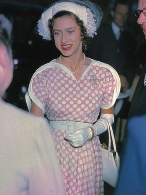 Фото №2 - Гламурная принцесса: как Маргарет проводила свой обычный день (спойлер— весьма богемно)
