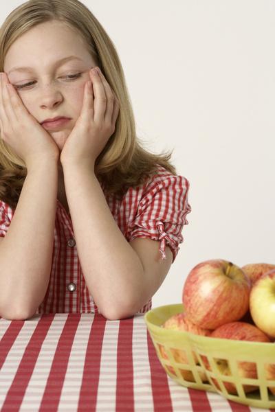 Ребенок не хочет есть фрукты что делать