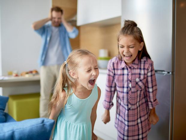 Фото №1 - Три неочевидных причины детских истерик (и как с ними правильно бороться)