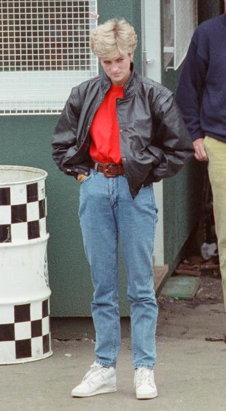 Фото №11 - Принцесса в джинсах: как Диана носила деним