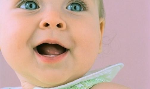 Фото №1 - Родился первый генетически отобранный ребенок «из пробирки»