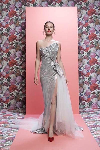 Фото №8 - Свадебная мода: выбираем платье для девушек с формами