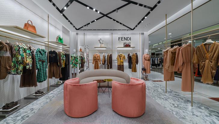 Фото №6 - Новый бутик Fendi в ЦУМе