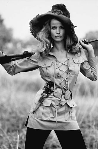 Фото №9 - Вещи-легенды: модное наследие Yves Saint-Laurent