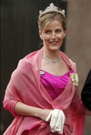 Фото №5 - Аквамарины и бриллианты: любимые тиары Софи Уэссекской