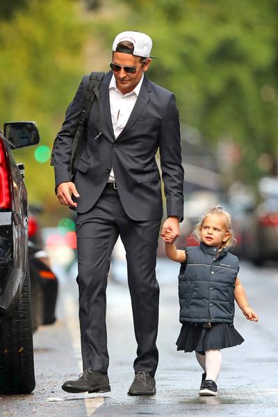 Фото №7 - Люди в черном: Брэдли Купер в одном стиле с дочкой