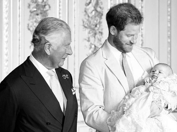 Фото №13 - Самые милые фотографии королевских отцов с детьми