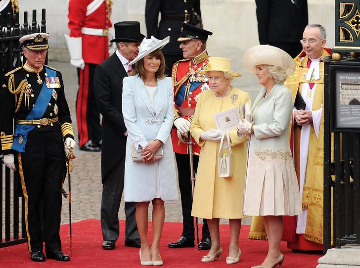 Фото №18 - Свадебный королевский этикет: что можно и чего нельзя делать на бракосочетании Гарри и Меган