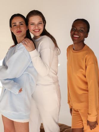 Фото №1 - Шорты, укороченные футболки и другие мастхэвы лета 2020 в новой коллекции 12storeez