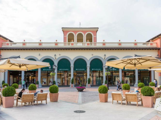 Фото №8 - То, что доктор прописал: шопинг-терапия в итальянском аутлете Serravalle Designer Outlet