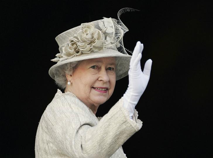 Фото №3 - Как герцогиня Кейт копирует Королеву (и зачем)