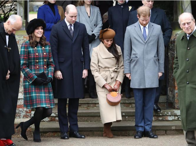 Фото №5 - Бедная Меган: 7 фактов о королевской рождественской службе в Сандрингеме