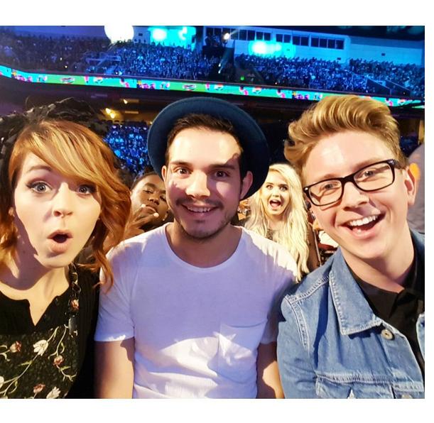 Фото №1 - Звездный Instagram: Teen Choice Awards 2015