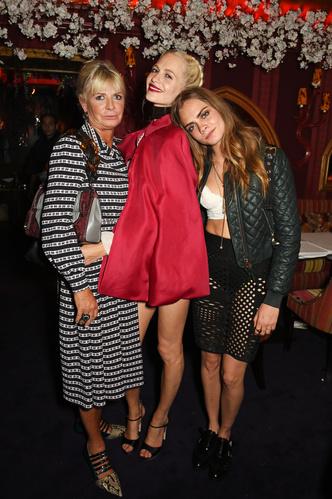 Фото №14 - Ген стиля: как выглядят и одеваются мамы супермоделей