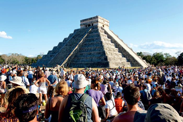 Фото №2 - Подводные пирамиды, петроглифы, статуи «рептилоидов»: 20 самых загадочных объектов мира