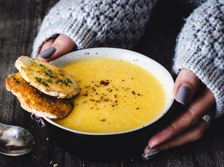 Фото №2 - Почему зимой мы много едим, и как взять аппетит под контроль