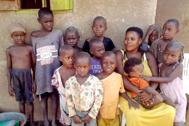 Фото №1 - Врагу не пожелаешь: как живет мать 44 детей