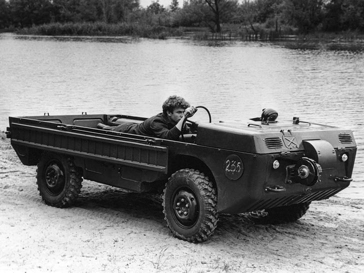 Фото №1 - Советский автомобиль для управления из положения лежа