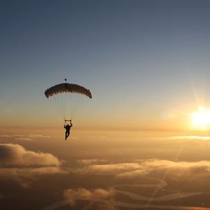 Фото №4 - Гадаем на парашютах: в какой день недели тебе всегда везет? 🪂