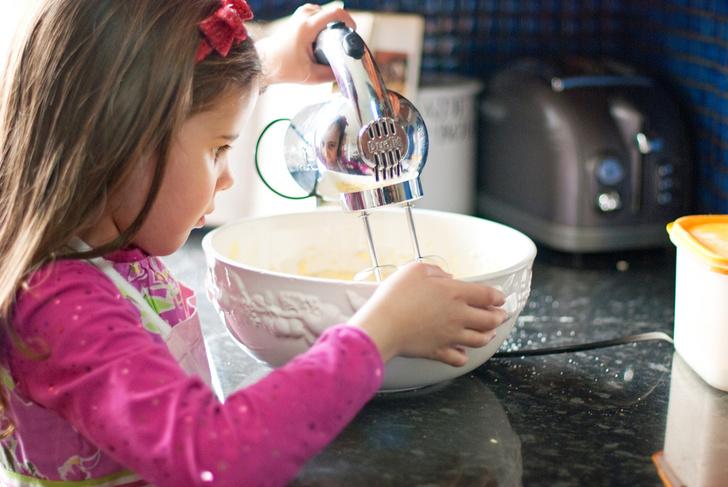 Фото №1 - Сдобная выпечка для ребенка: чем она опасна