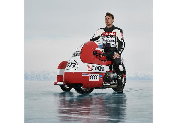 Фото №11 - Полегче на поворотах: как правильно ездить по льду