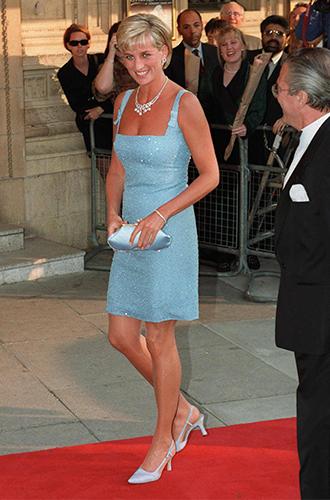 Фото №15 - Почему герцогиня Меган может позволить себе мини