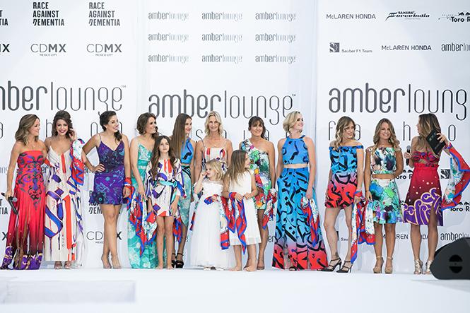 Фото №26 - Даниил Квят и другие пилоты «Формулы-1» в модном показе в Монако