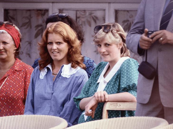Фото №3 - Как принцесса Диана и Сара Фергюсон разыграли обитателей Букингемского дворца