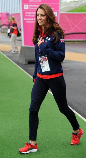 Фото №10 - Любимые кроссовки герцогини Кейт: от спортивных до повседневных